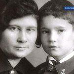 Eldar_Ryazanov_s_mamoy